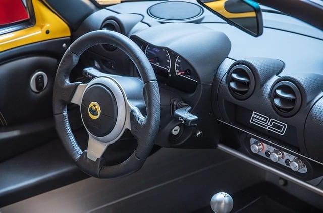 Auto Cockpitpflege: Diese Aspekte sollten Sie beachten